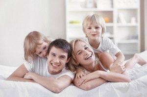 Мать разведенная с двумя детьми